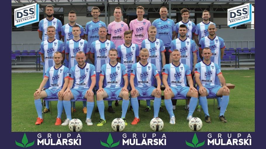Zdjęcie grupowe drużyny KP Błękitni Sarnów