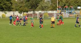 Seniorzy: Unia 0-2 Klimontowianka fot. Luz i Zapał obrazek 2