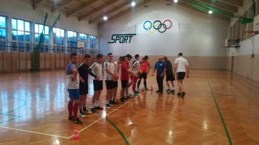Juniorzy młodsi rozpoczęli treningi