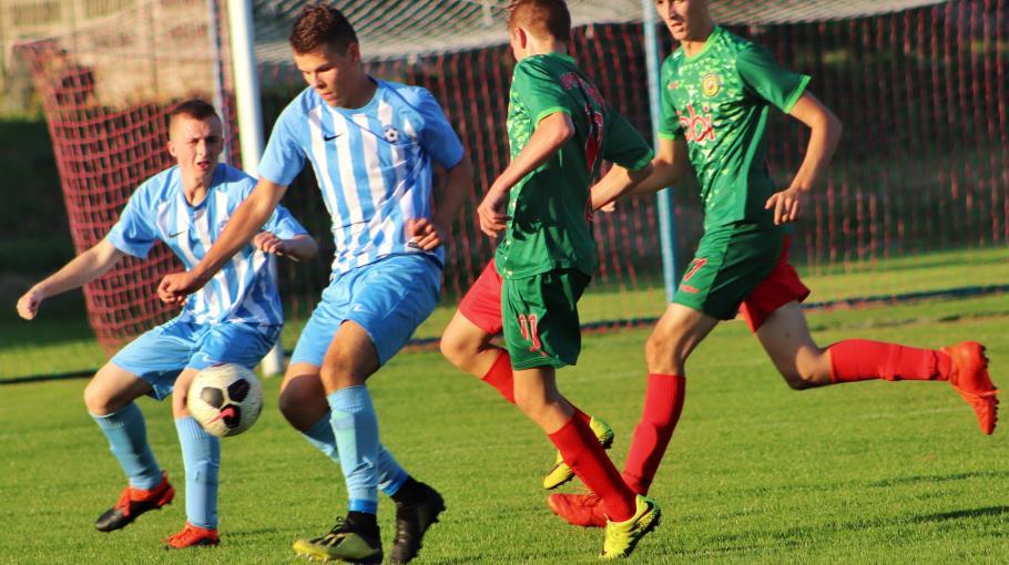 Junior Starszy wygrywa w XI kolejce.