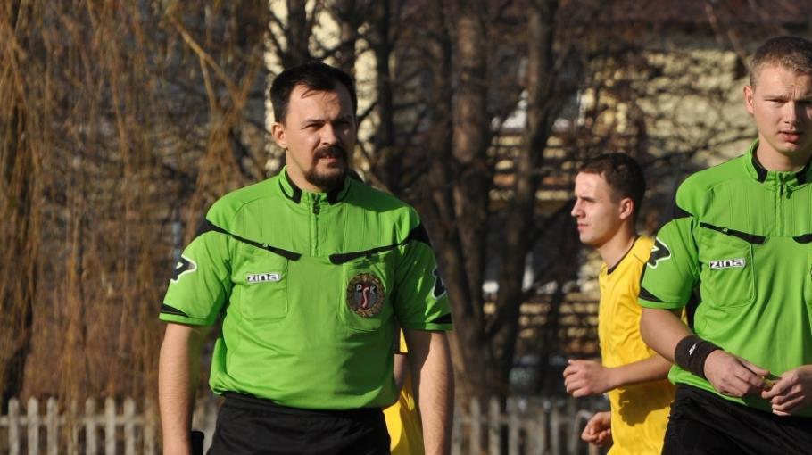 Szczepan Górczyński sędzia meczu z Kamienną