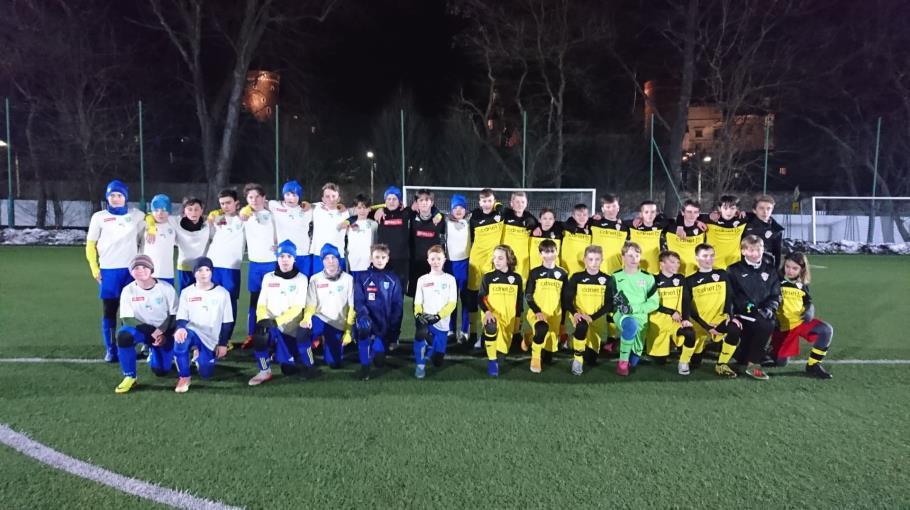 Lekcja futbolu pod Wawelem.