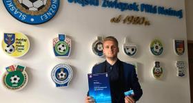 Trener Patryk Brytan z licencją UEFA B