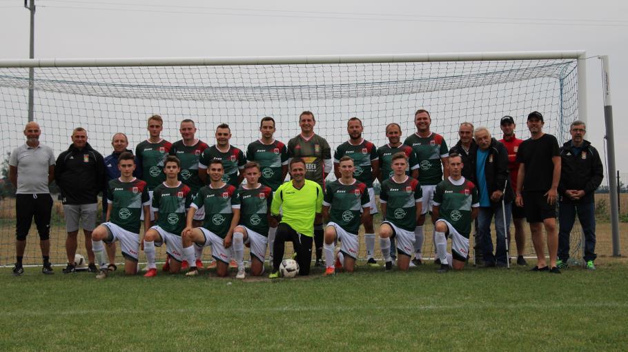 Zdjęcie grupowe drużyny Seniorzy