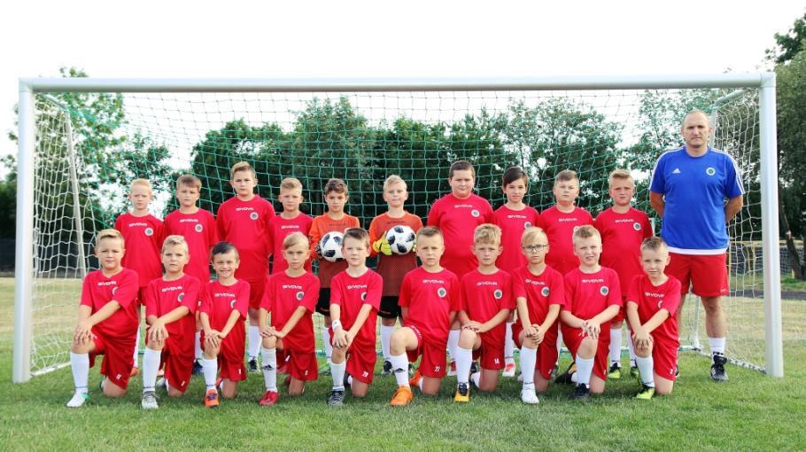 Zdjęcie grupowe drużyny .